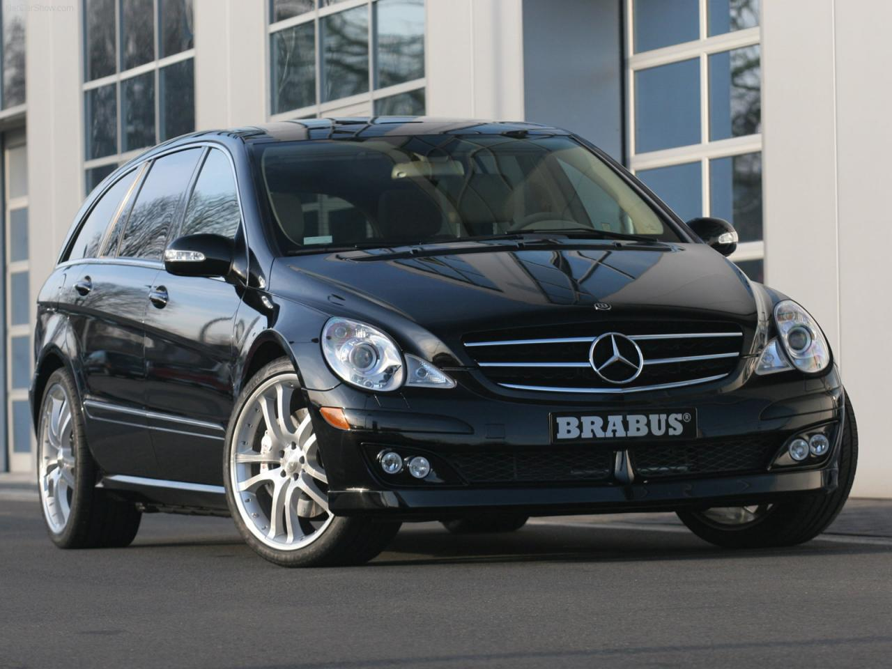 2006 mercedes benz r class information and photos. Black Bedroom Furniture Sets. Home Design Ideas