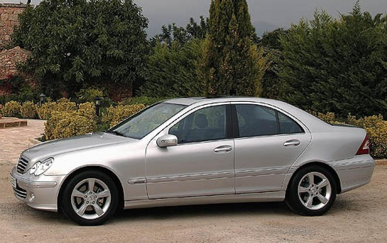 2006 mercedes benz c class information and photos for Mercedes benz c class 2006 price