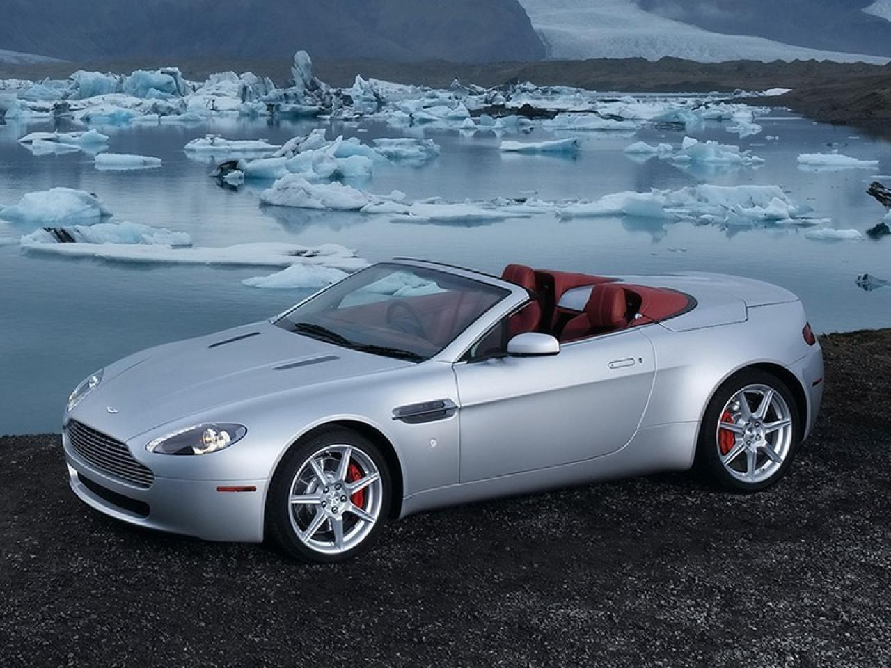 2007 aston martin v8 vantage information and photos zombiedrive. Black Bedroom Furniture Sets. Home Design Ideas