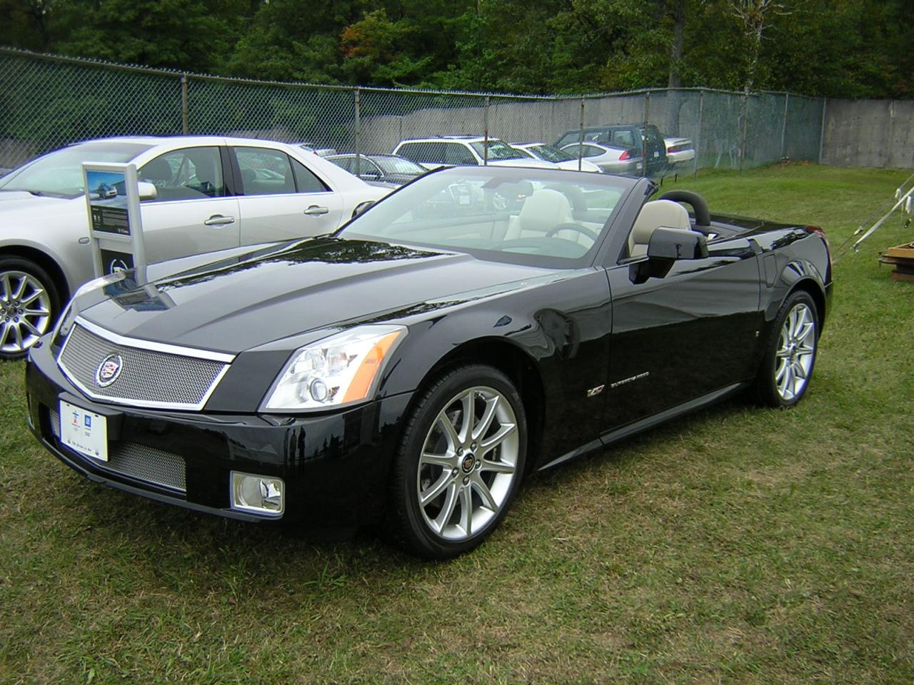 2007 cadillac xlr v information and photos zombiedrive. Black Bedroom Furniture Sets. Home Design Ideas