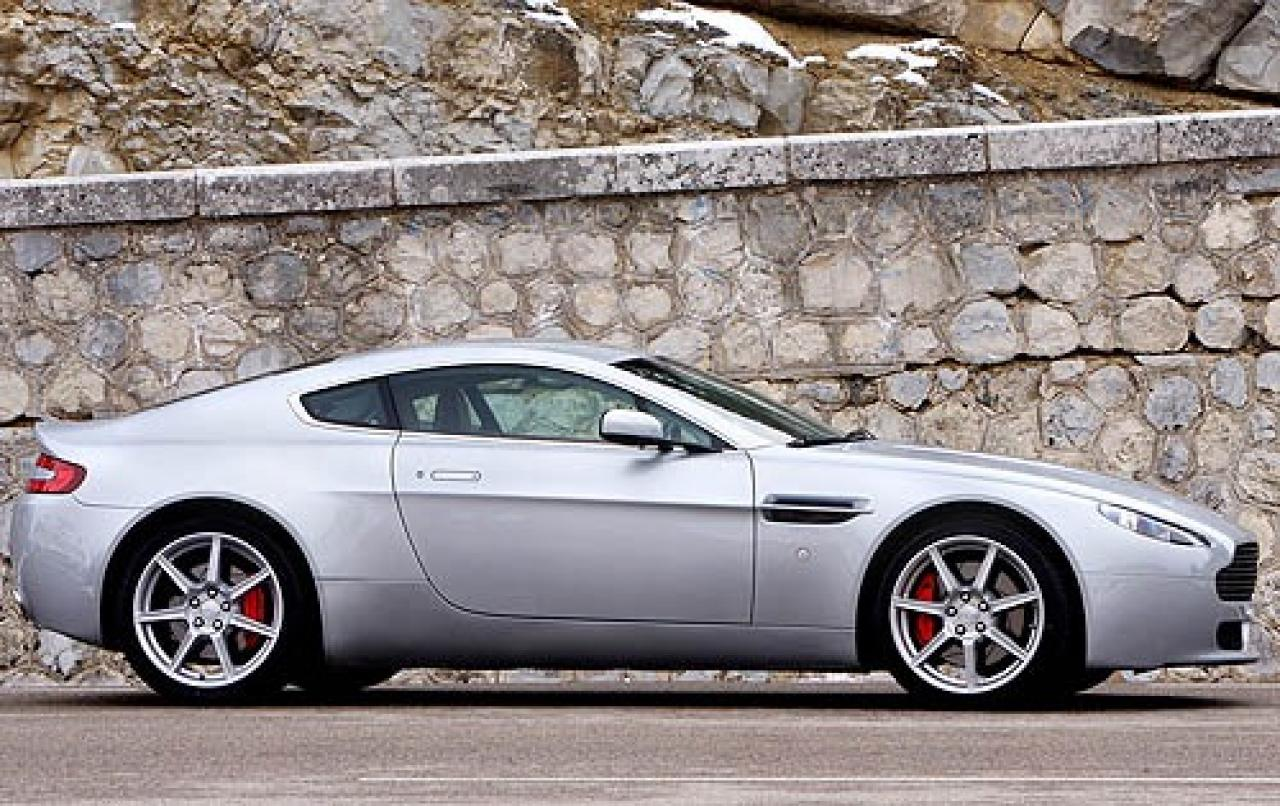 2007 aston martin v8 vantage information and photos zombiedrive. Cars Review. Best American Auto & Cars Review