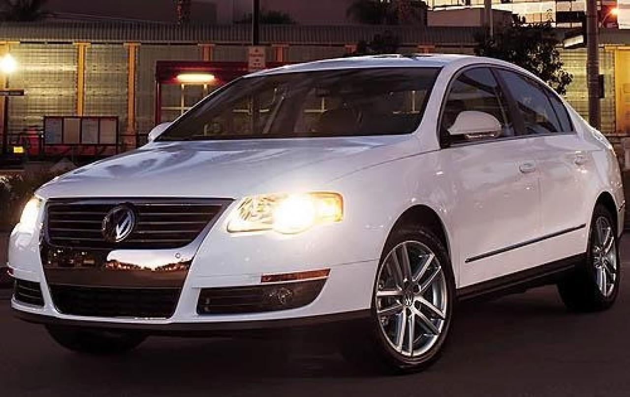 2010 volkswagen passat information and photos zombiedrive. Black Bedroom Furniture Sets. Home Design Ideas
