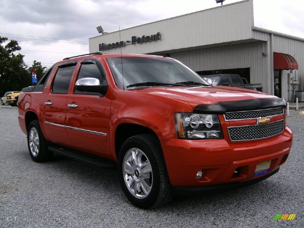 Lifted chevy show trucks 2103 texas heatwave truck show - 800 1024 1280 1600 Origin 2009 Chevrolet