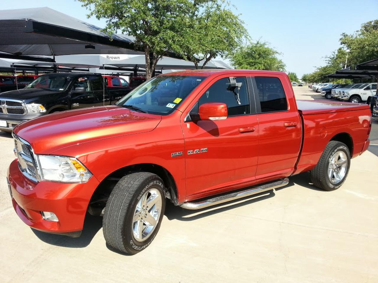 2009 dodge ram pickup 1500 information and photos. Black Bedroom Furniture Sets. Home Design Ideas