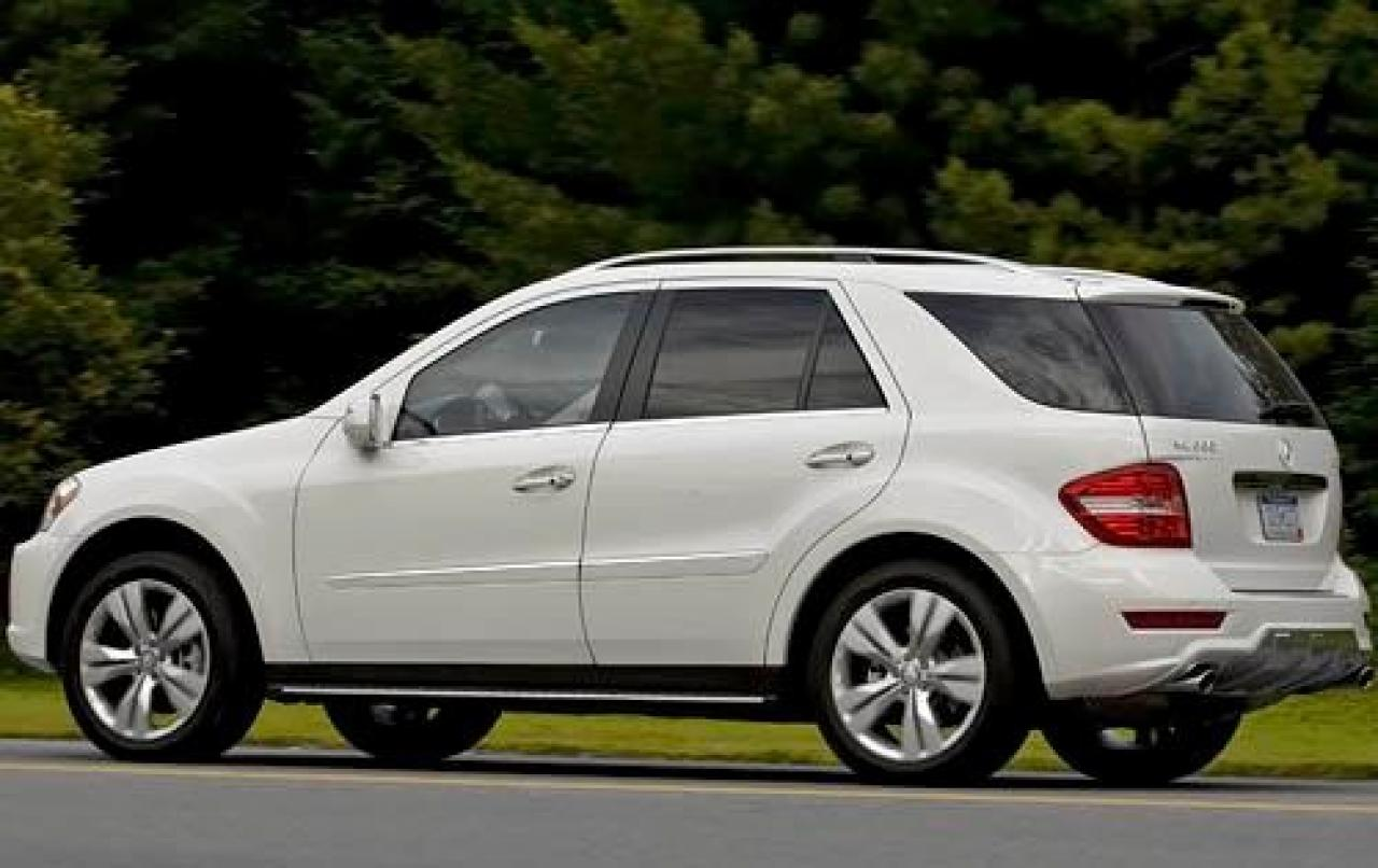 2009 mercedes benz m class information and photos for Mercedes benz m class mercedes suv