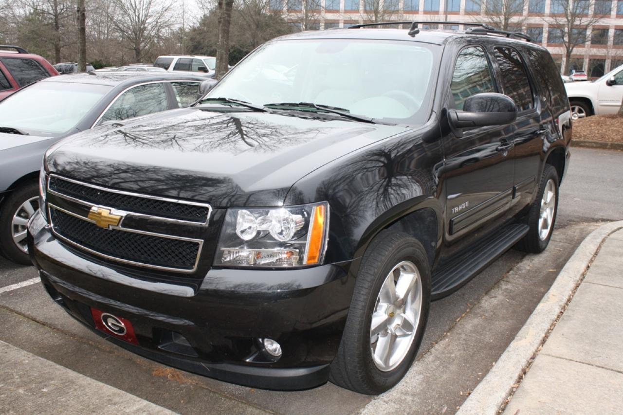 2010 chevrolet tahoe information and photos zombiedrive. Black Bedroom Furniture Sets. Home Design Ideas