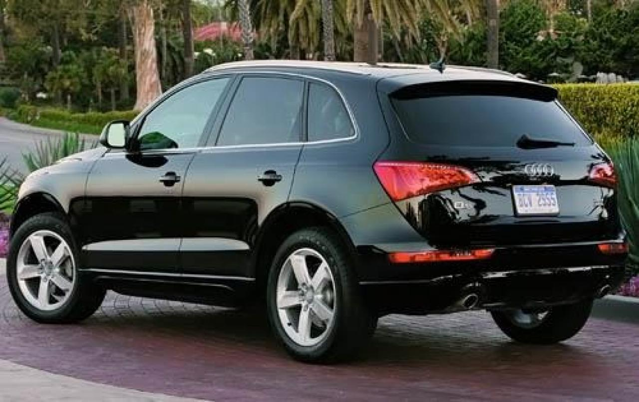 2010 audi q5 information and photos zombiedrive. Black Bedroom Furniture Sets. Home Design Ideas