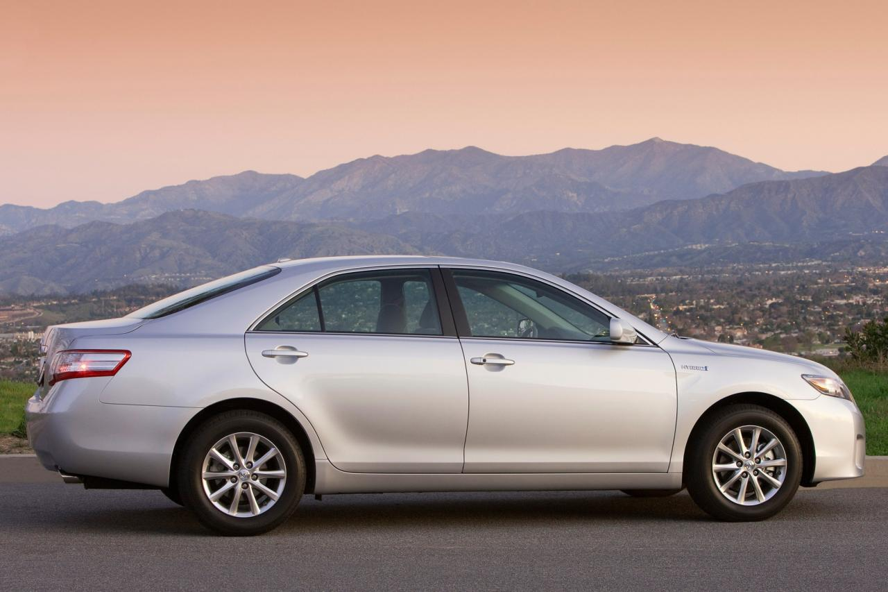 2010 toyota camry hybrid information and photos zombiedrive. Black Bedroom Furniture Sets. Home Design Ideas