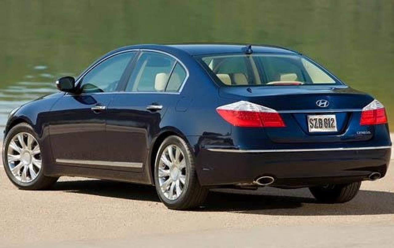 2011 Hyundai Genesis Information And Photos Zombiedrive