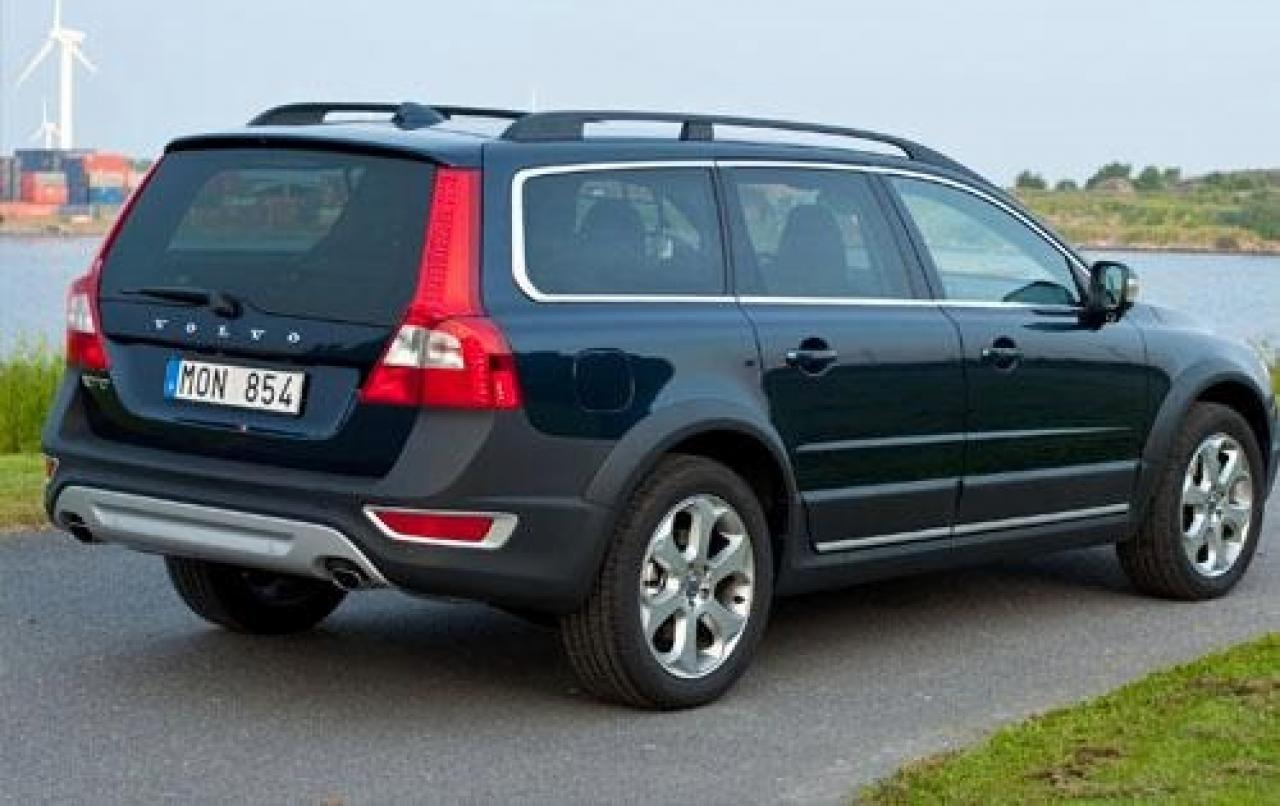 2011 Volvo Xc70 Information And Photos Zombiedrive