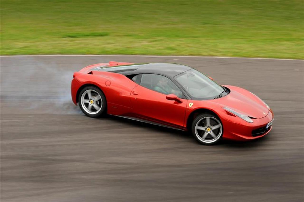 2012 ferrari 458 italia information and photos zombiedrive. Cars Review. Best American Auto & Cars Review