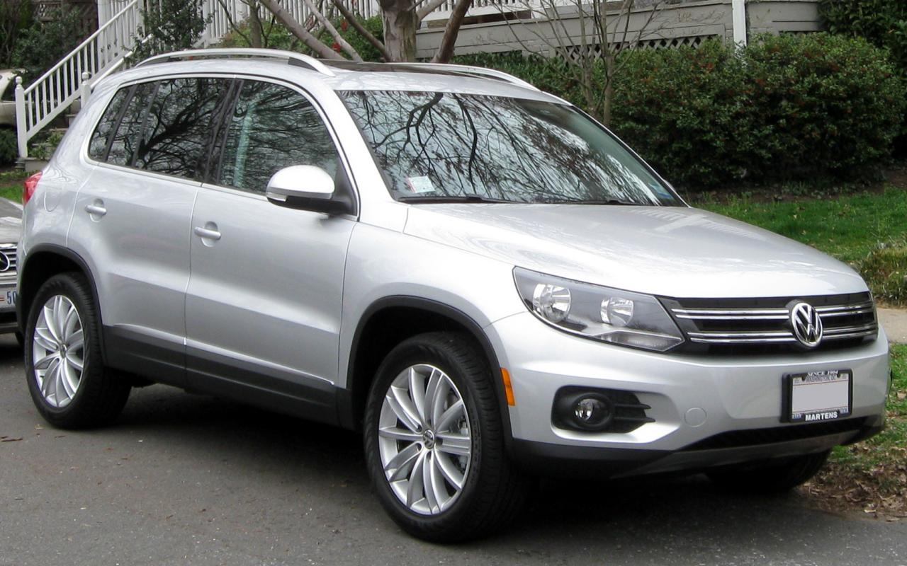 2012 volkswagen tiguan information and photos zombiedrive. Black Bedroom Furniture Sets. Home Design Ideas