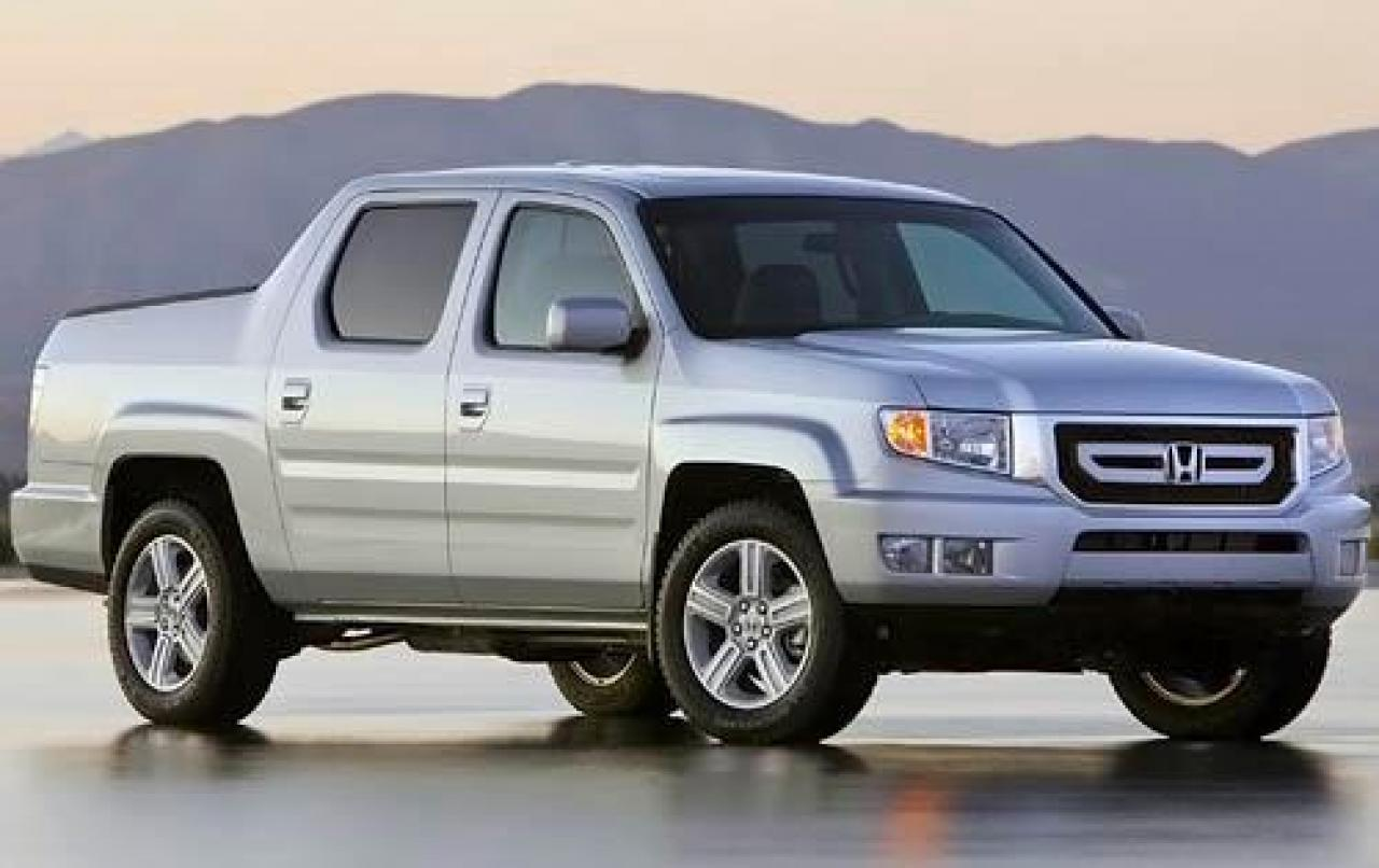 Reviews on honda autos post for Honda ridgeline vs chevy colorado
