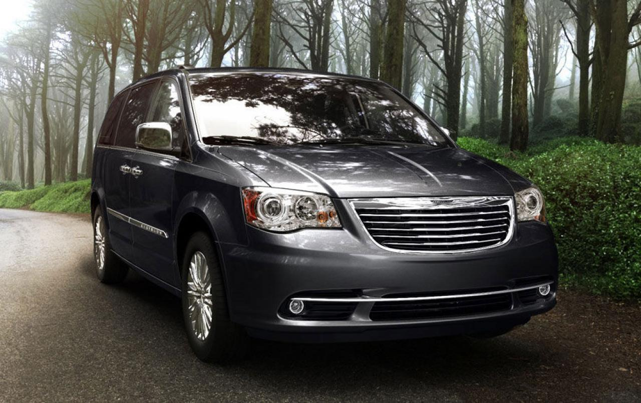2013 chrysler town and country information and photos zombiedrive. Black Bedroom Furniture Sets. Home Design Ideas