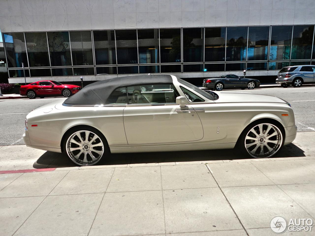 2013 rolls royce phantom drophead coupe information and photos zombiedrive. Black Bedroom Furniture Sets. Home Design Ideas