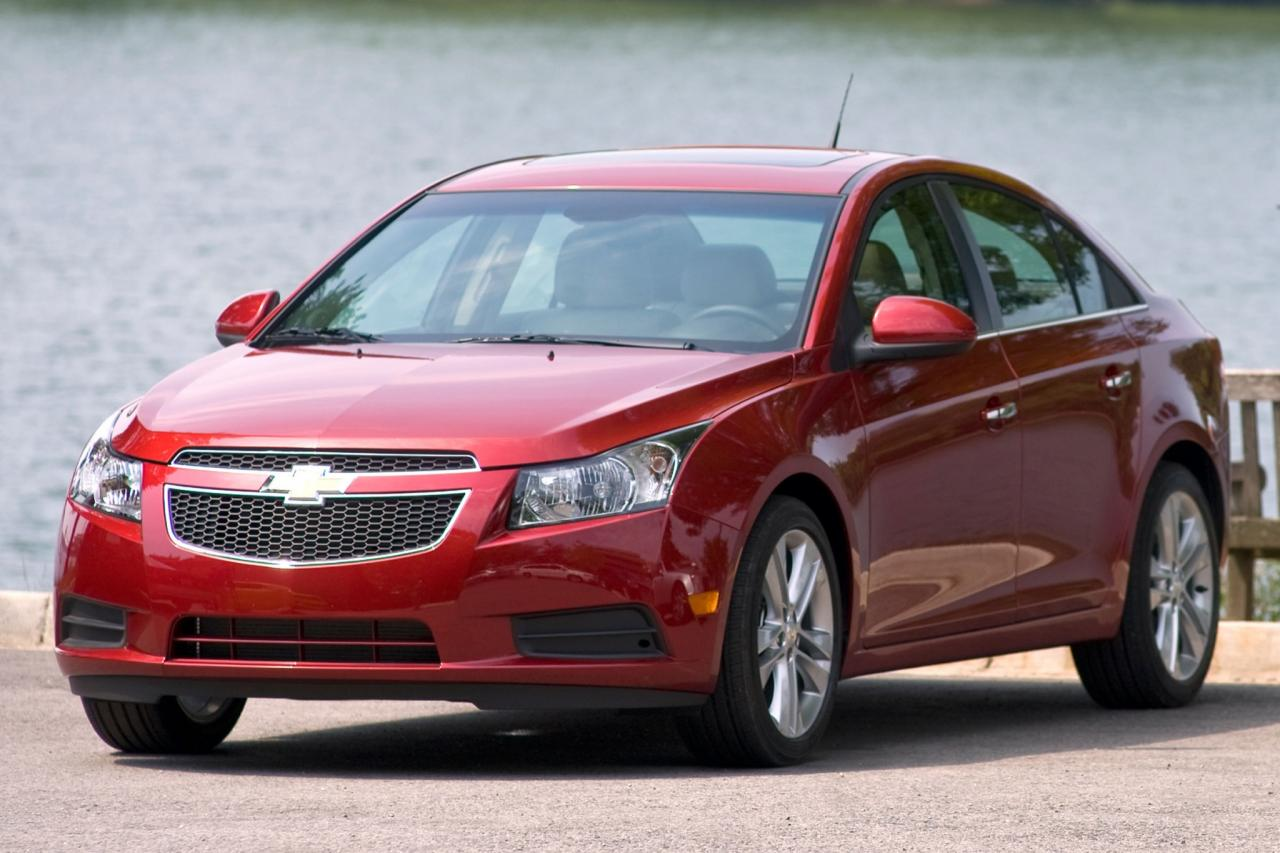 2013 chevrolet cruze information and photos zombiedrive. Black Bedroom Furniture Sets. Home Design Ideas