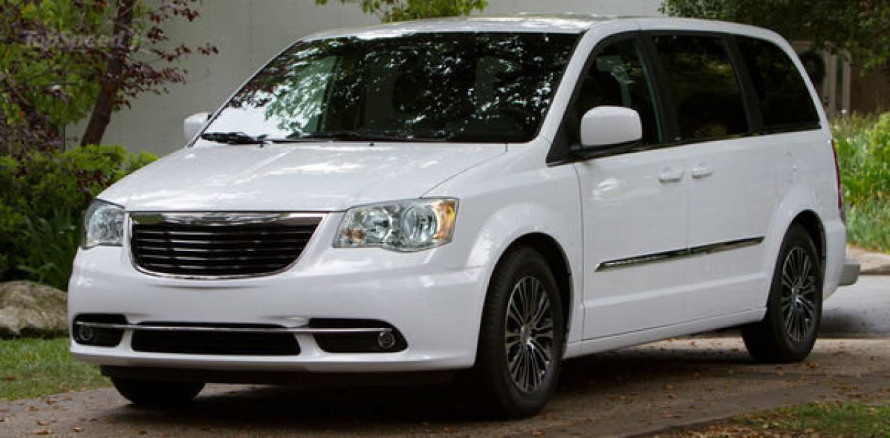 2014 chrysler town and autos post. Black Bedroom Furniture Sets. Home Design Ideas