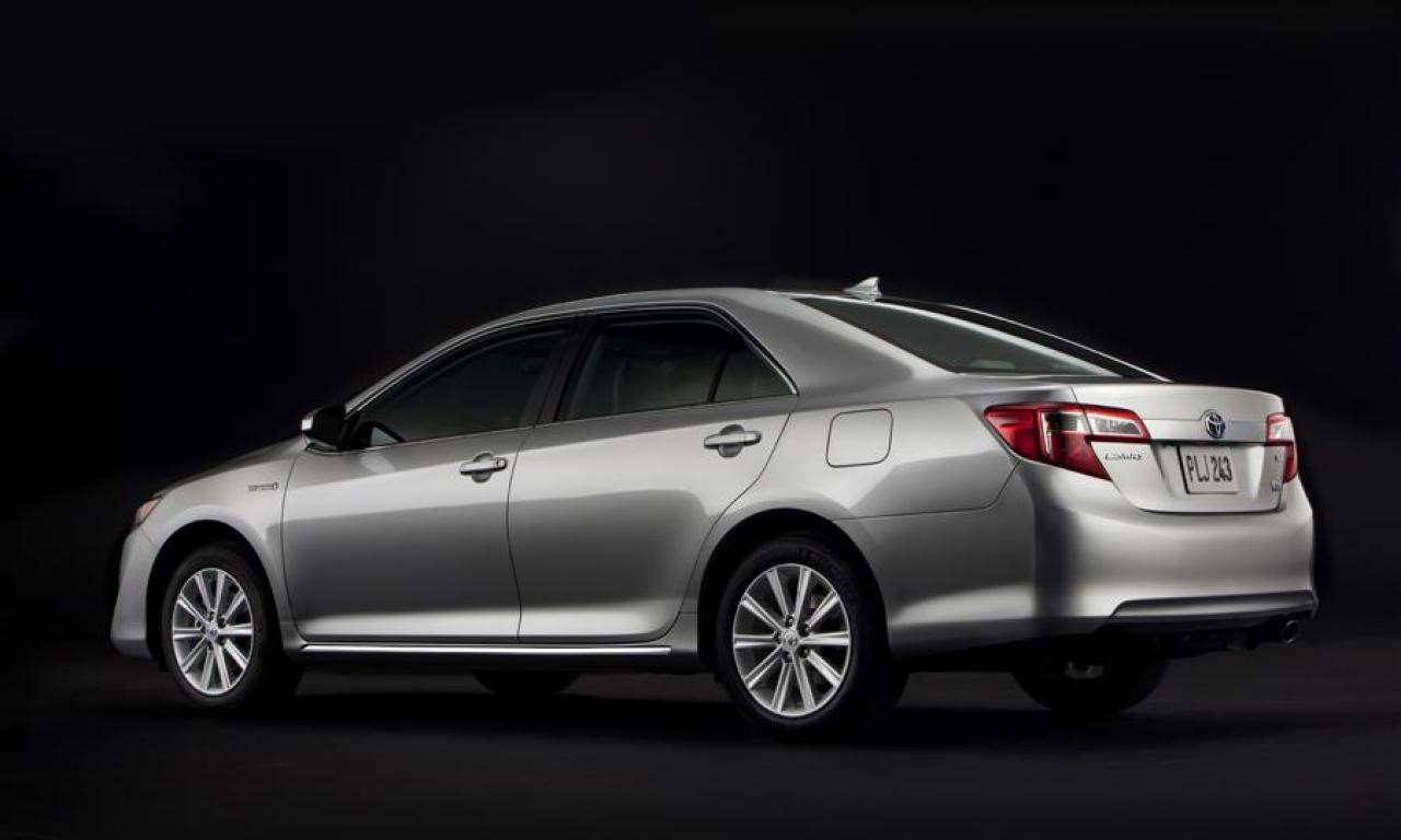 2014 toyota camry hybrid information and photos zombiedrive. Black Bedroom Furniture Sets. Home Design Ideas