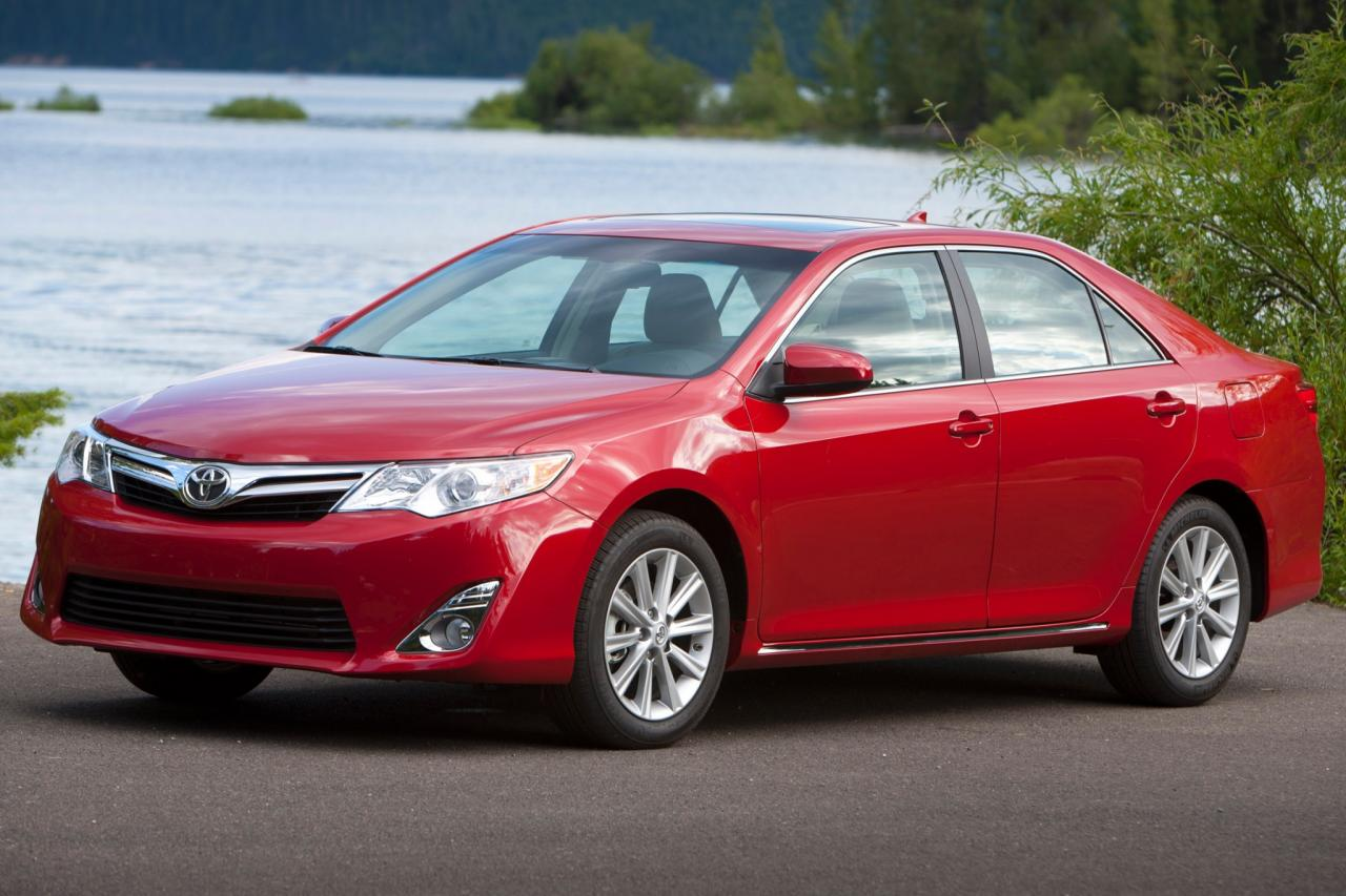 2014 toyota camry information and photos zombiedrive. Black Bedroom Furniture Sets. Home Design Ideas