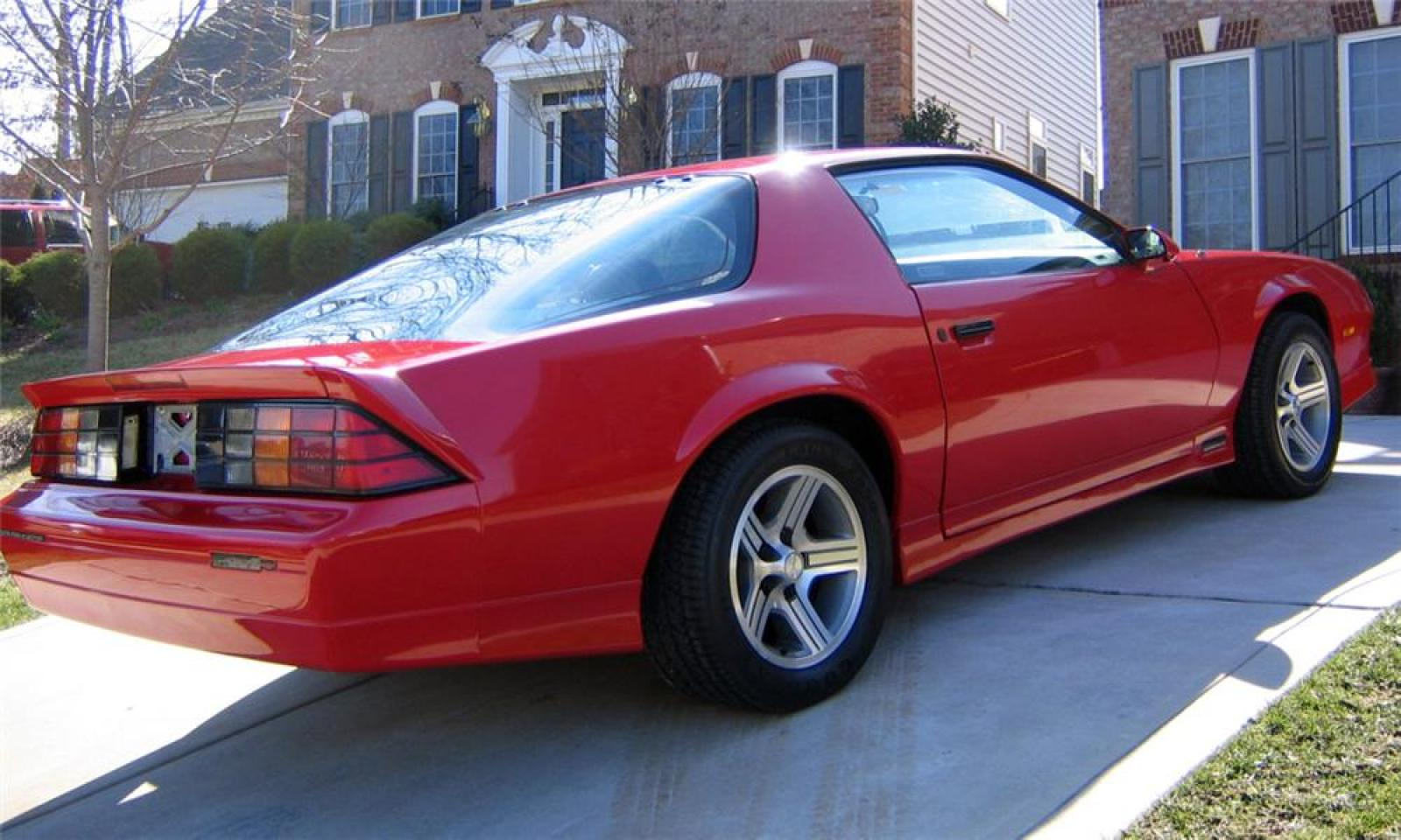 1990 Chevrolet Camaro - Information and photos - Zomb Drive