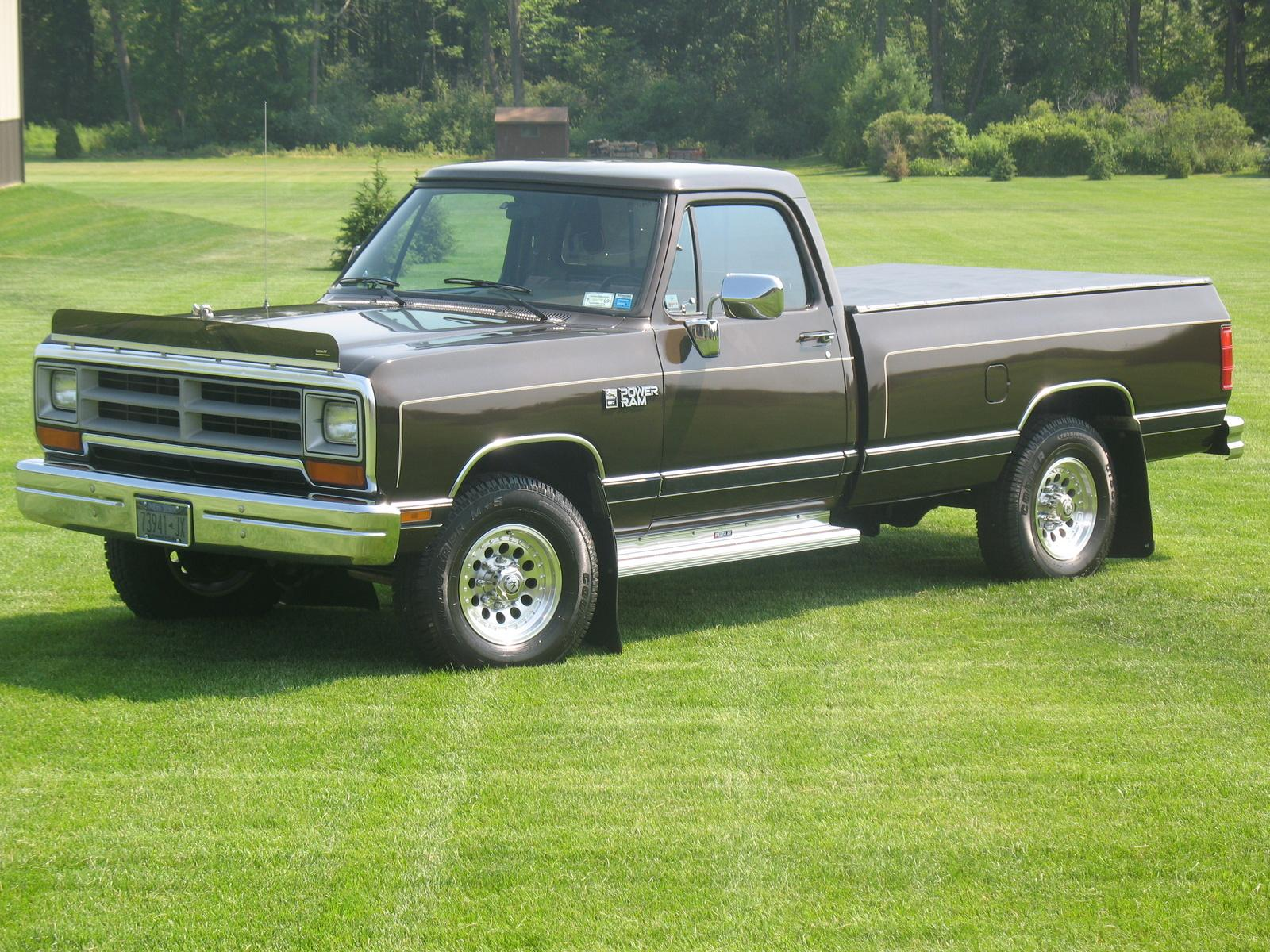 1990 dodge ram 150 information and photos zombiedrive. Black Bedroom Furniture Sets. Home Design Ideas
