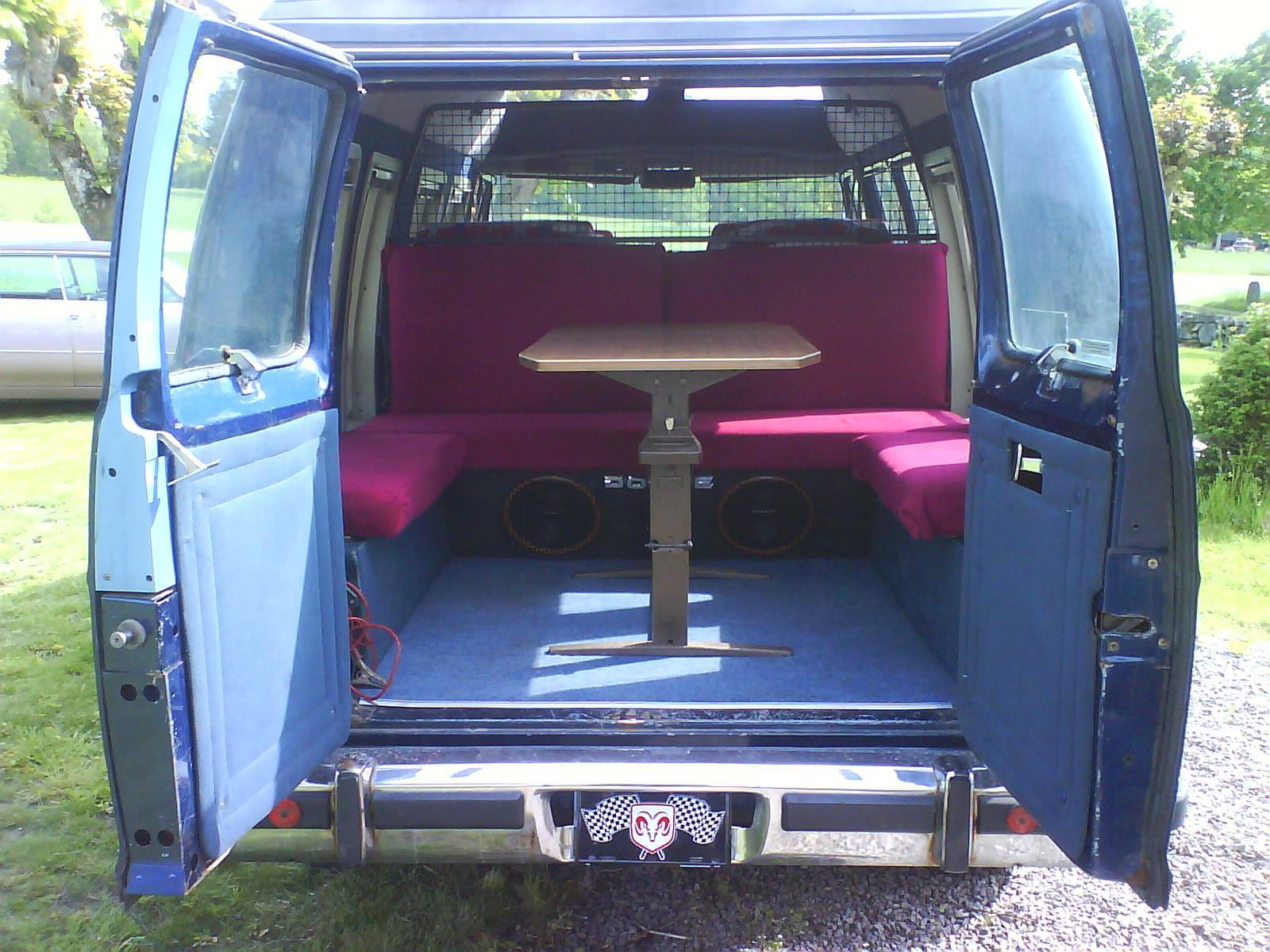 800 1024 1280 1600 Origin 1990 Dodge Ram Van