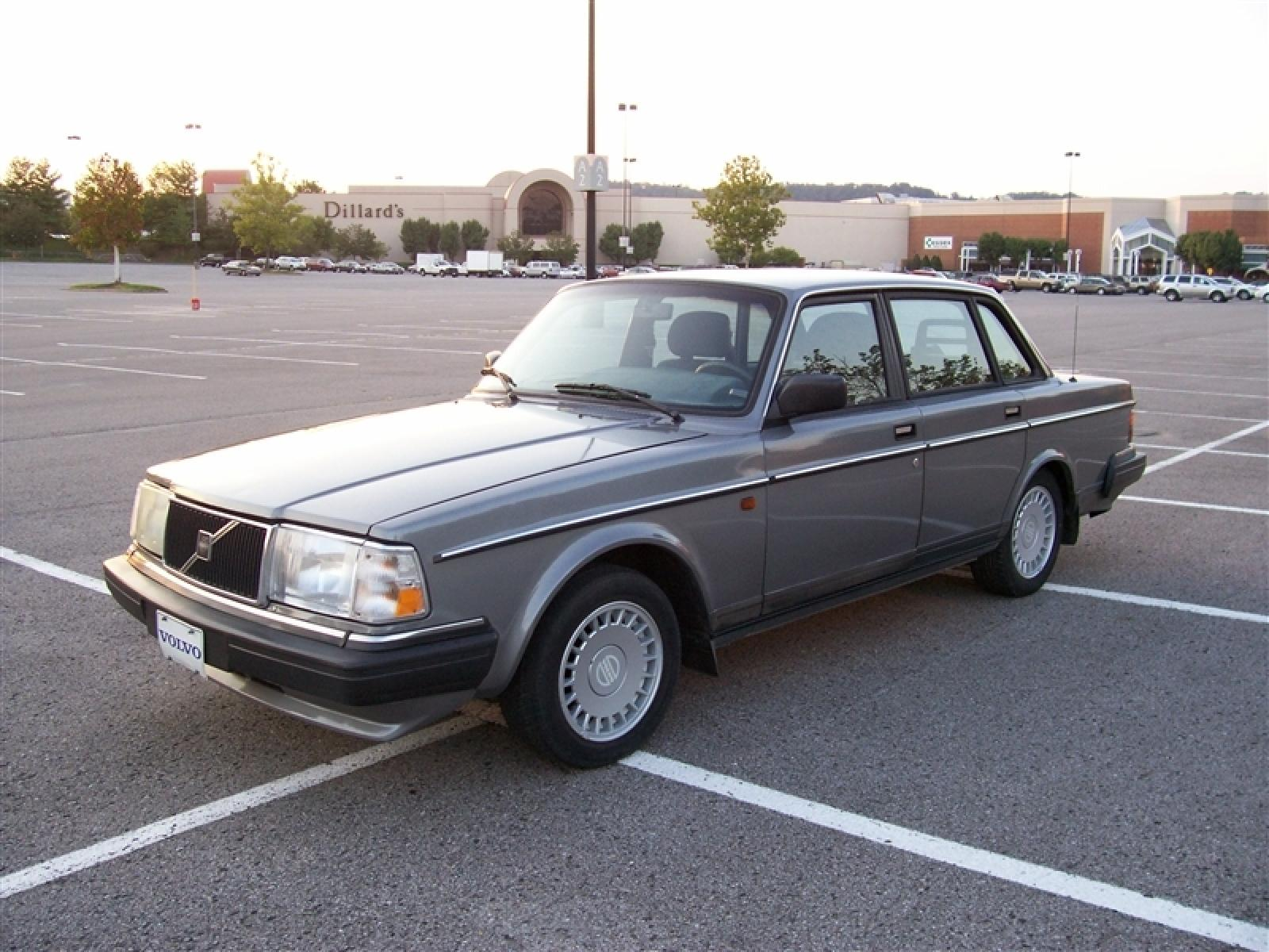 1990 volvo 240 information and photos zombiedrive. Black Bedroom Furniture Sets. Home Design Ideas