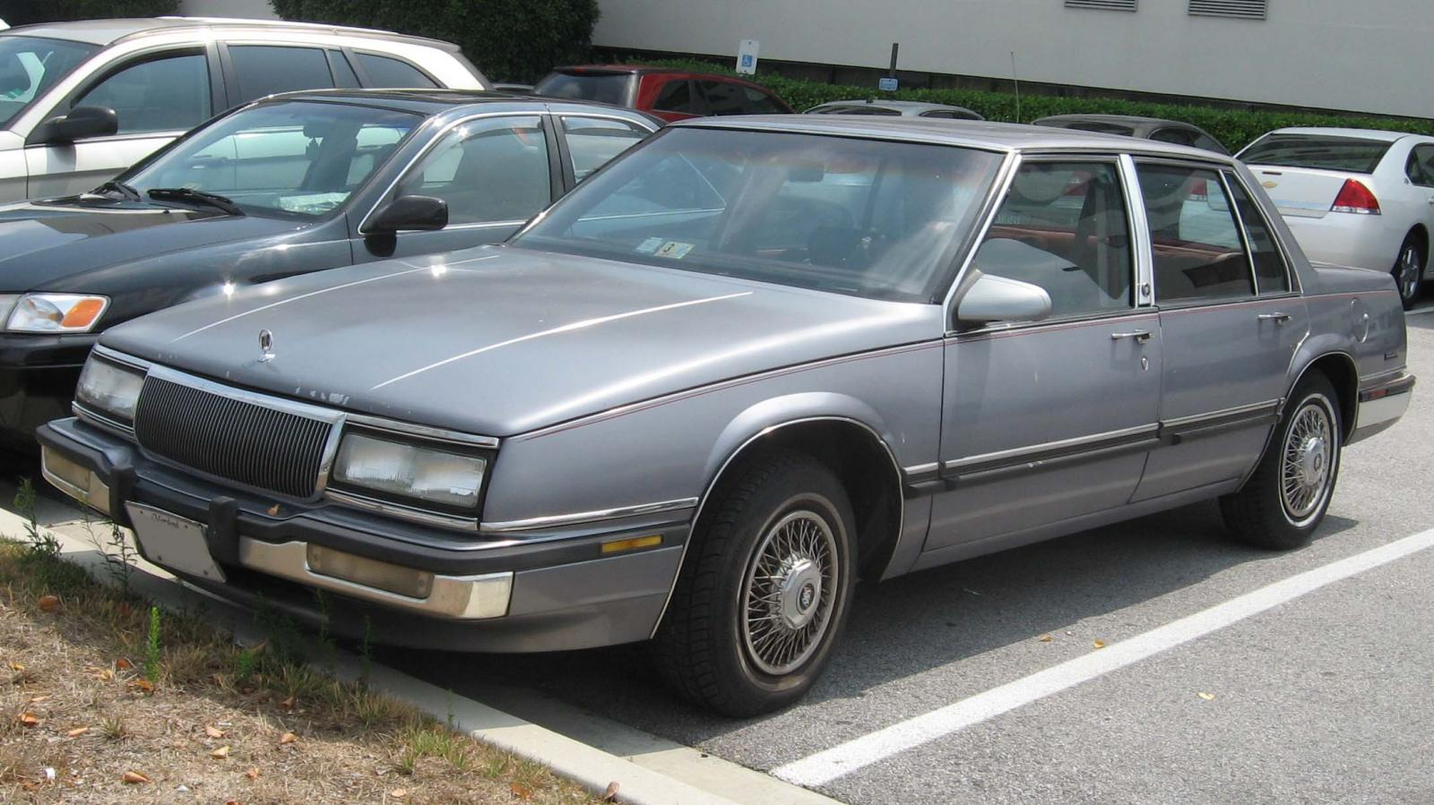 Buick Lesabre on 1990 Buick Lesabre Limited