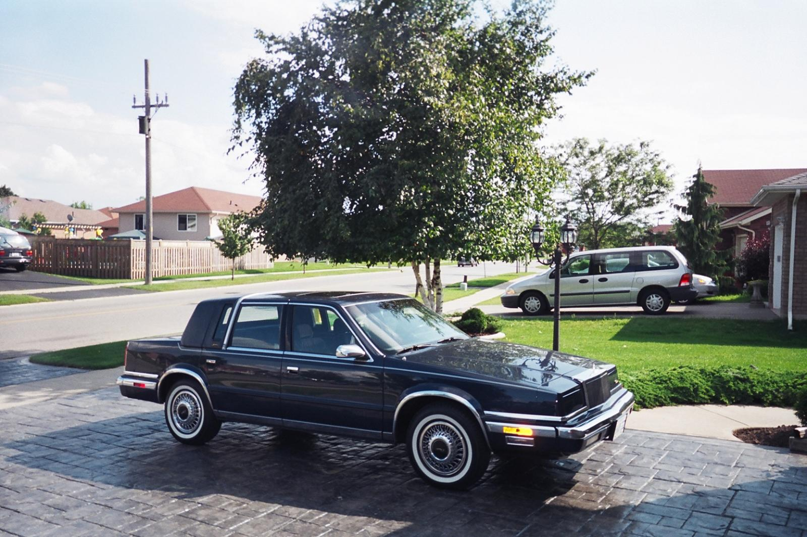 1991 Chrysler New Yorker 2