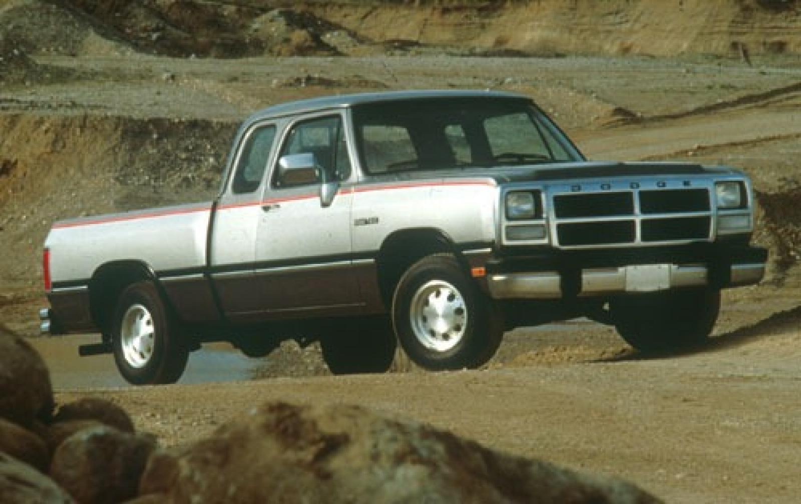 1993 dodge ram 150 information and photos zombiedrive. Black Bedroom Furniture Sets. Home Design Ideas