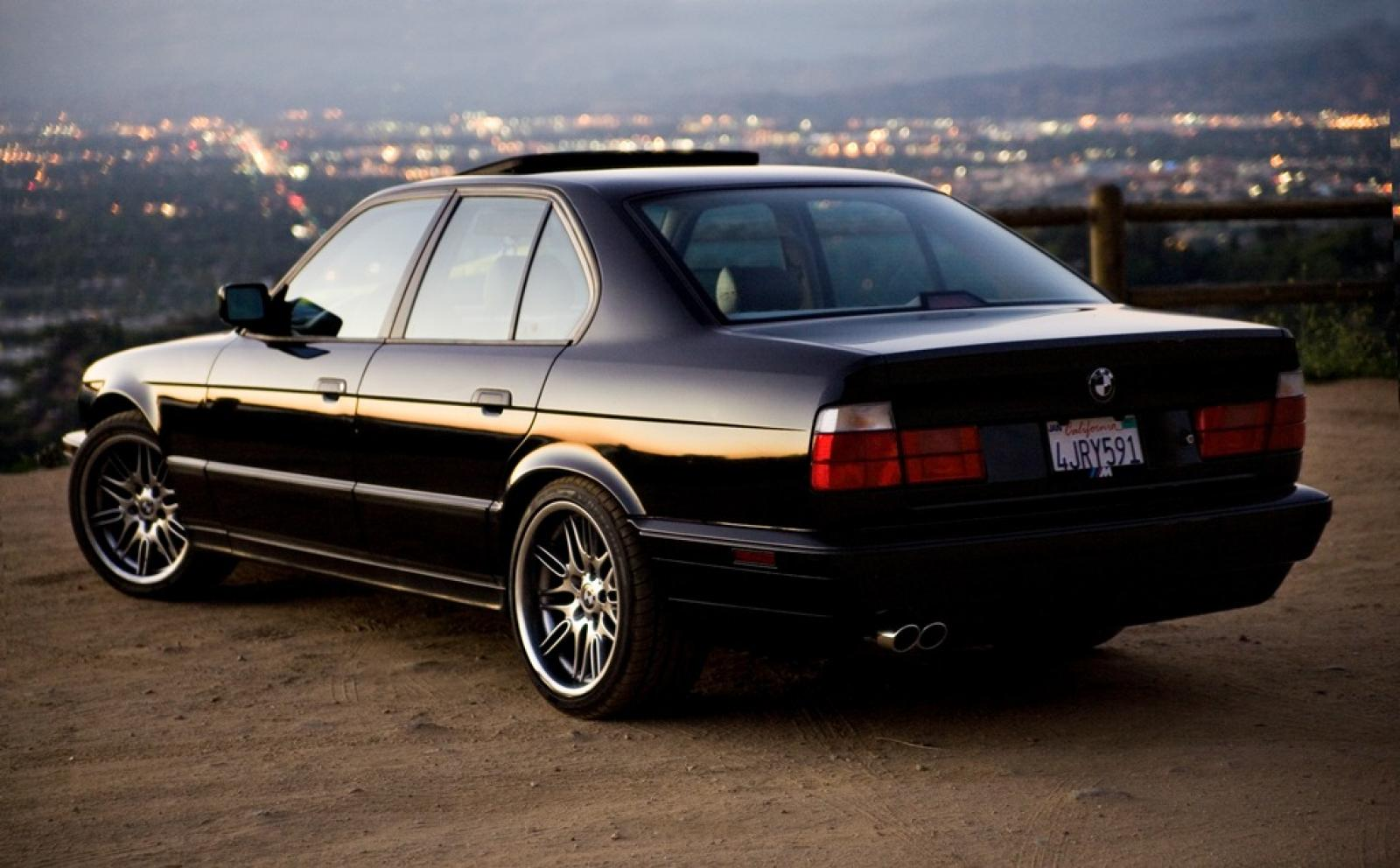 1992 Bmw M5 - Information And Photos
