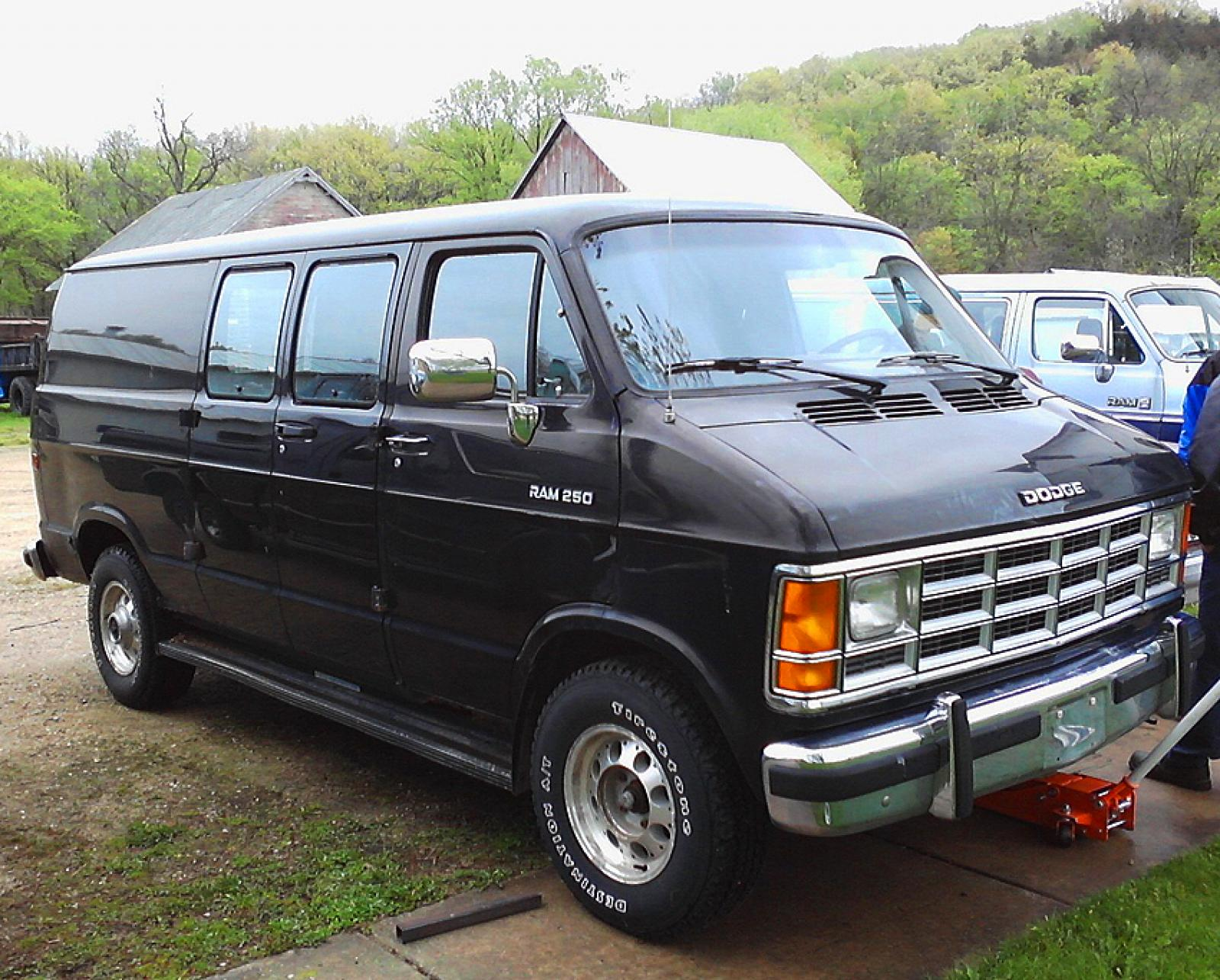 1992 Dodge Ram Van Information And Photos Zombiedrive 2014 3 800 1024 1280 1600 Origin