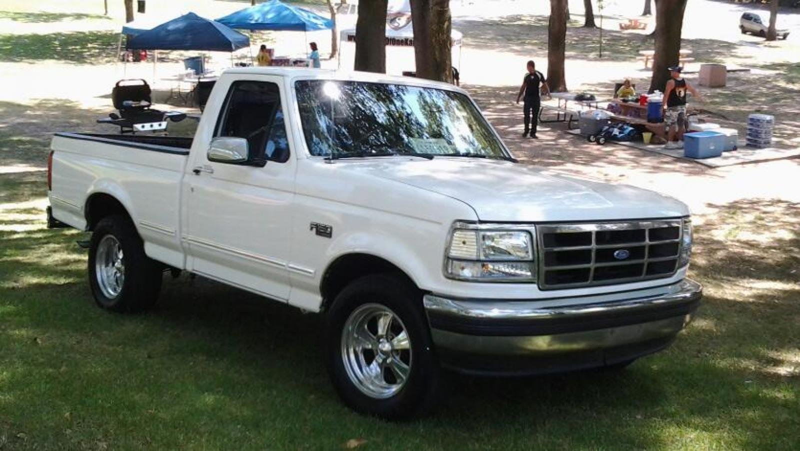 1992 Ford F-150 - Information And Photos
