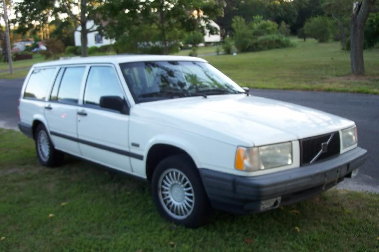 1992 Volvo 740 - Information and photos - ZombieDrive