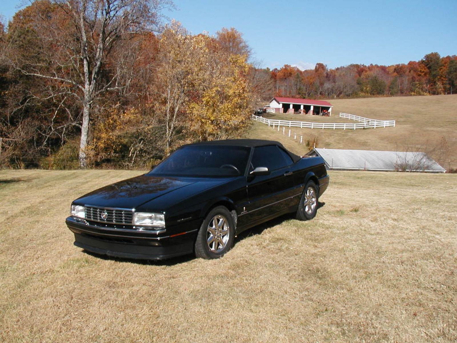 1993 Cadillac Allante - Information and photos - ZombieDrive