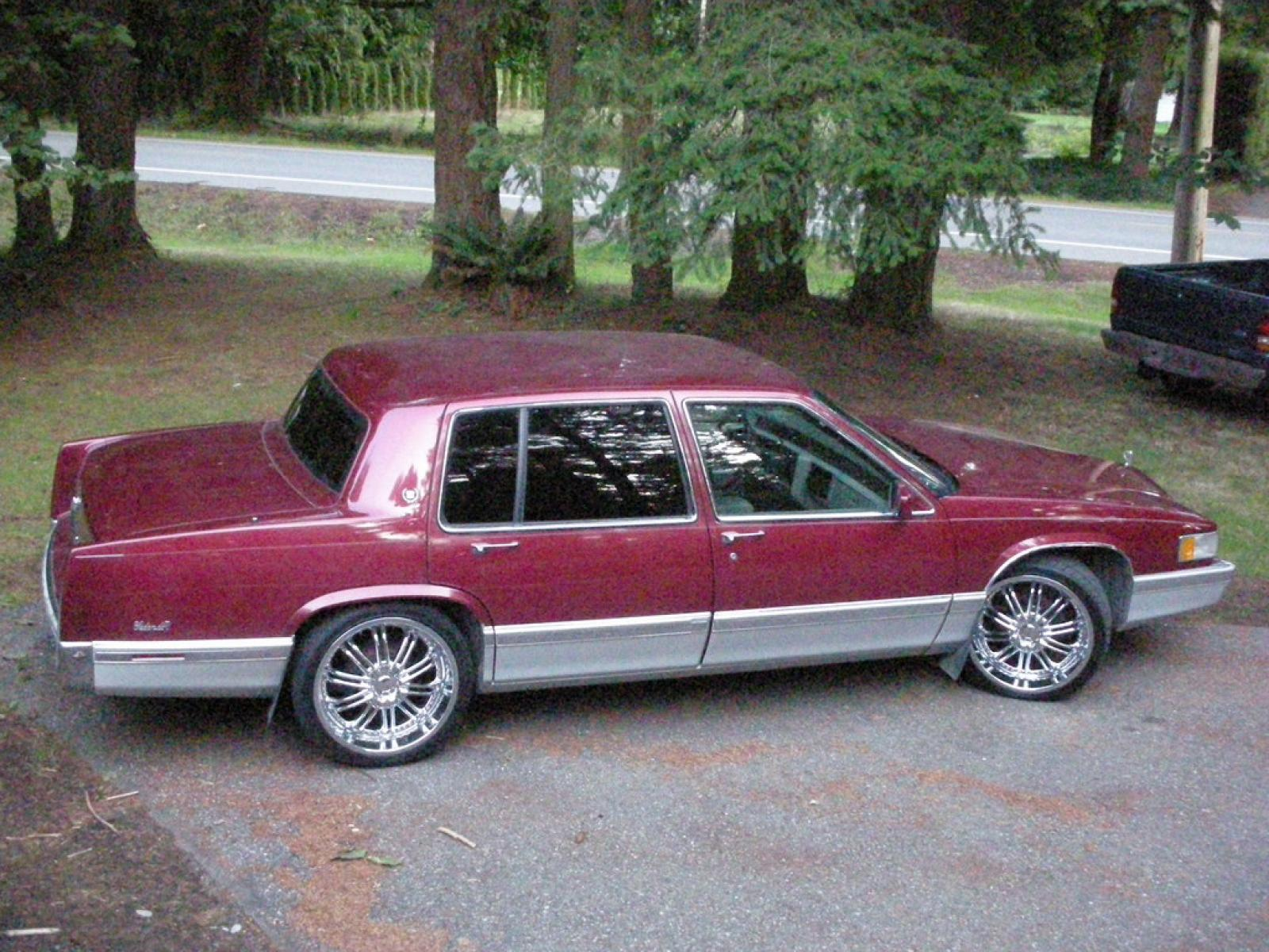 1993 Cadillac DeVille - Information and photos - ZombieDrive