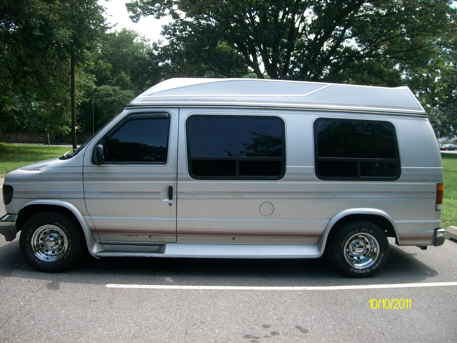 1993 Ford E-150 - Information And Photos