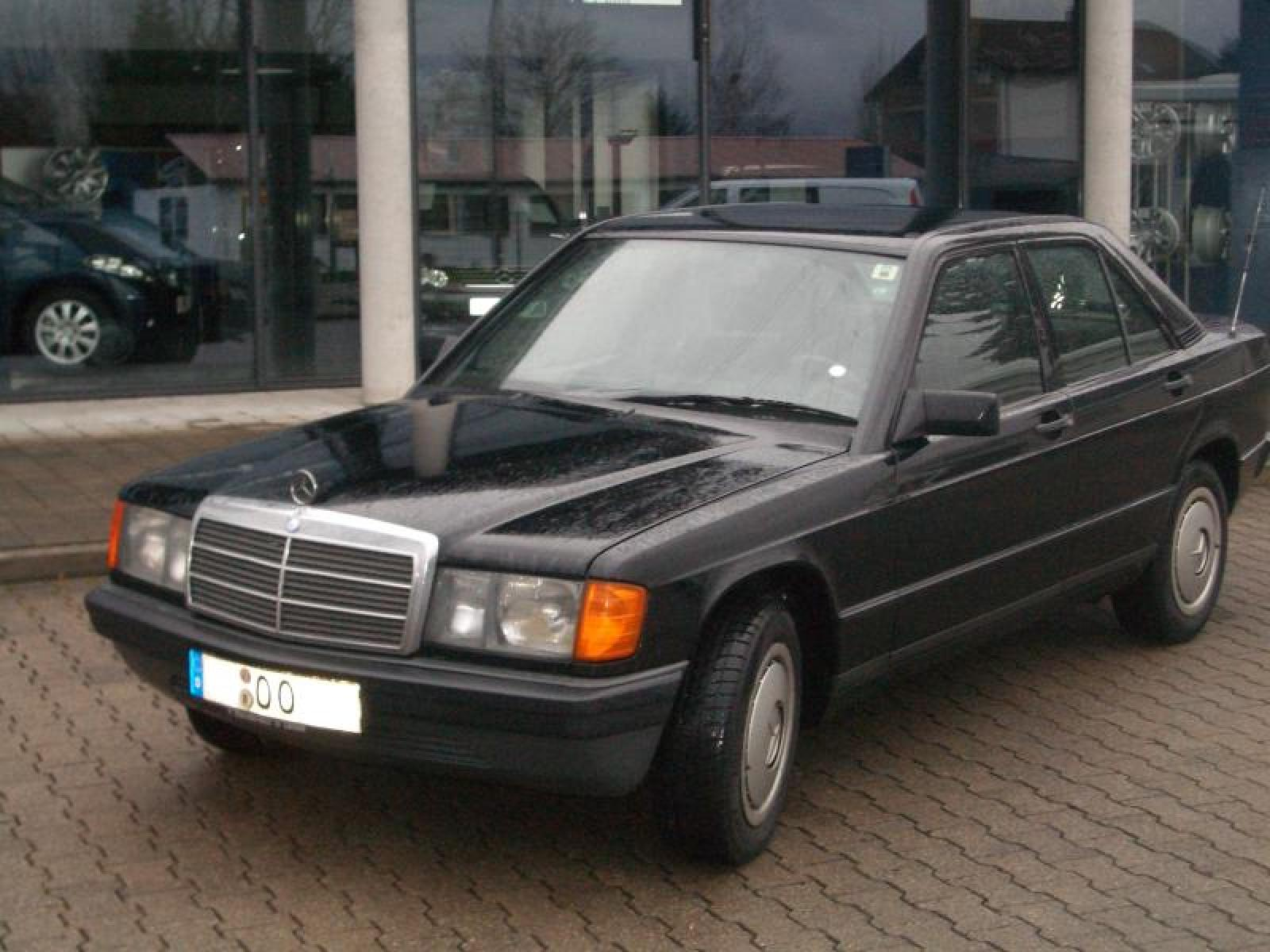 1993 mercedes benz 190 class information and photos for Facts about mercedes benz