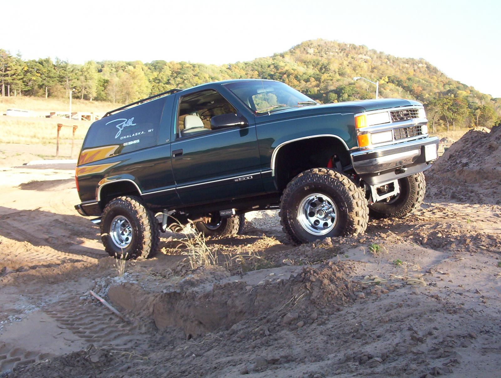 1995 Chevrolet Tahoe - Information and photos - Zomb Drive