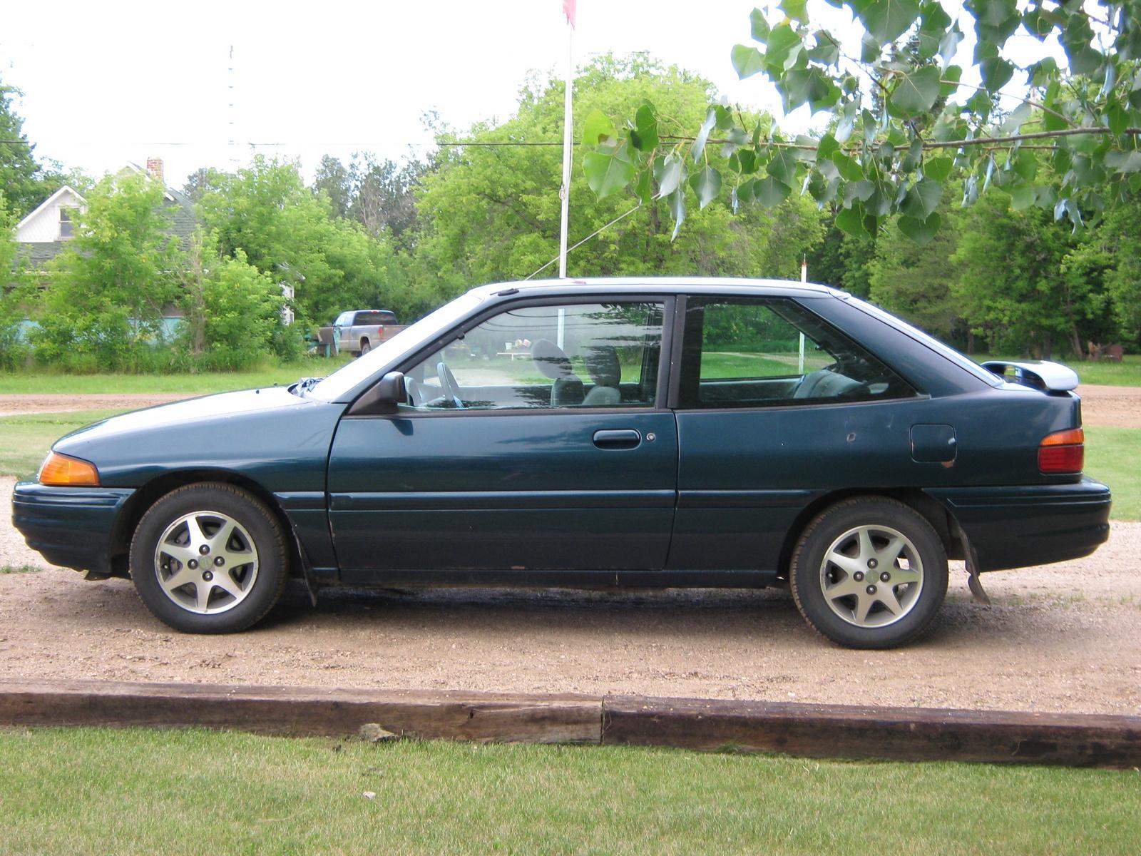 1995 ford escort 7