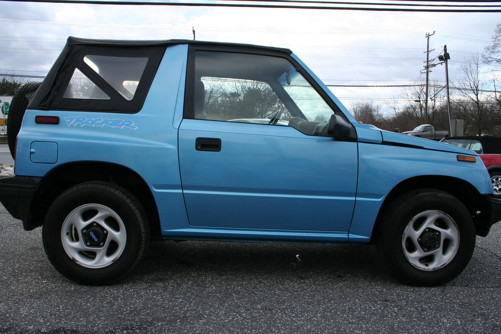 1995 geo tracker information and photos zombiedrive - Tacker fur polstermobel ...