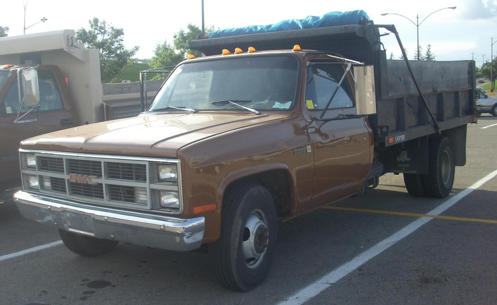 1995 GMC Sierra 3500 - Information and photos - Zomb Drive