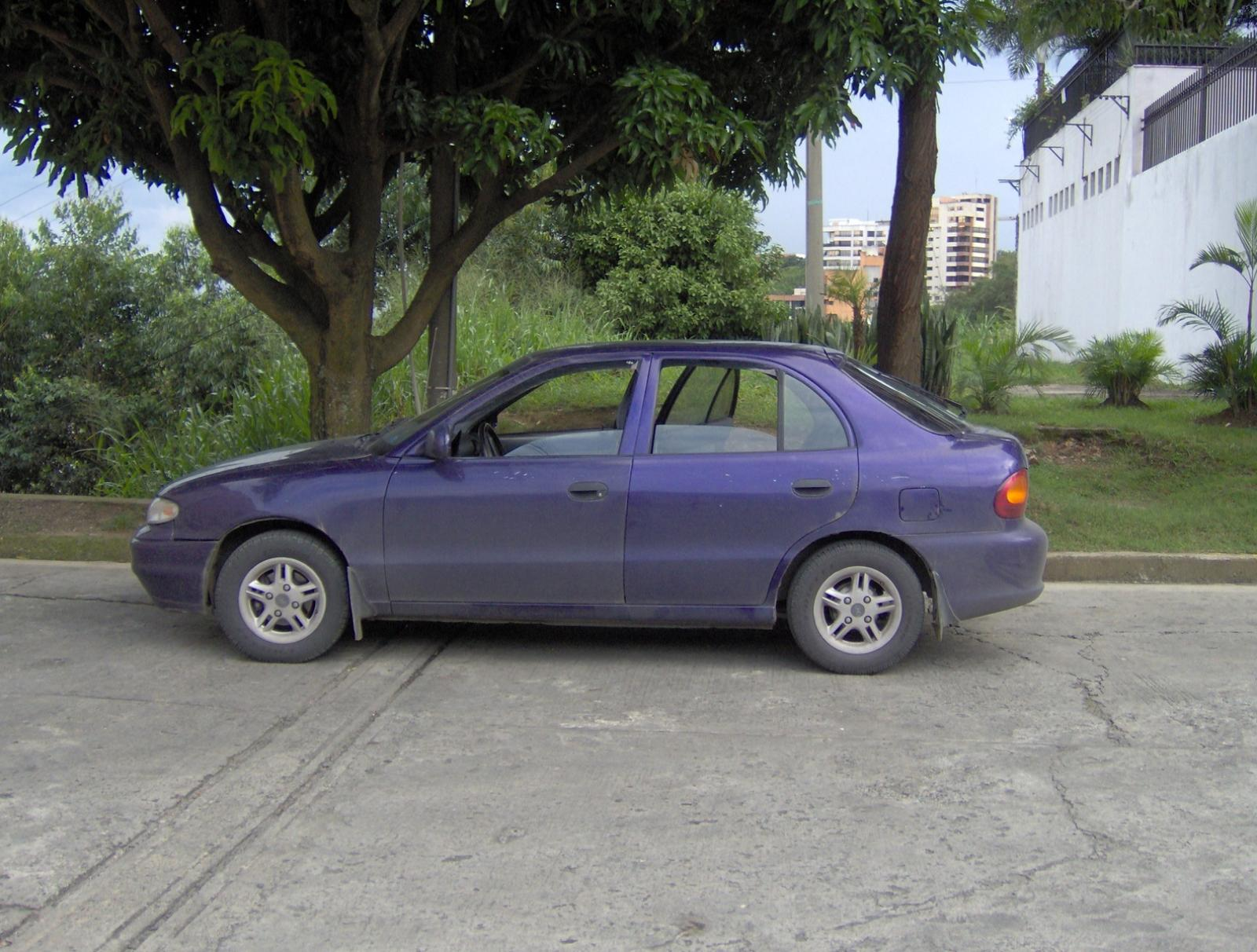 800 1024 1280 1600 origin 1995 Hyundai Accent ...