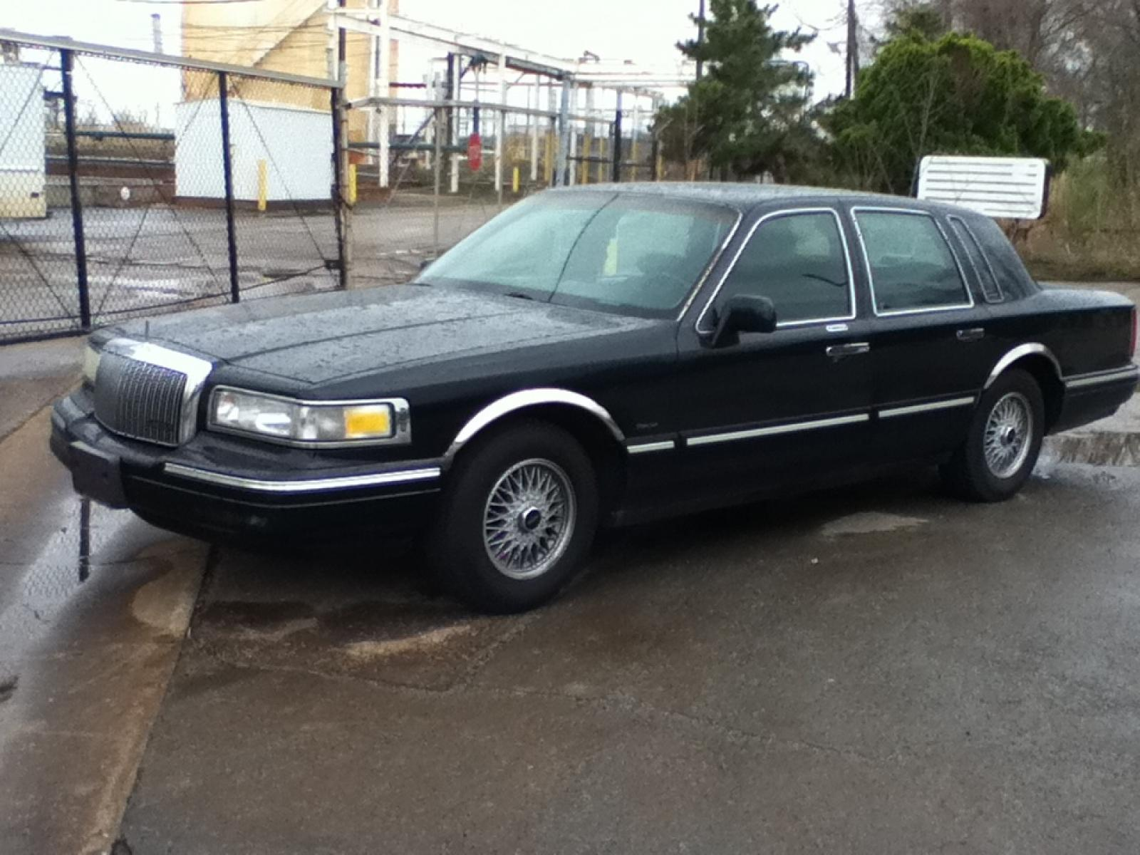 1995 Lincoln Town Car 4 800 1024 1280 1600 Origin