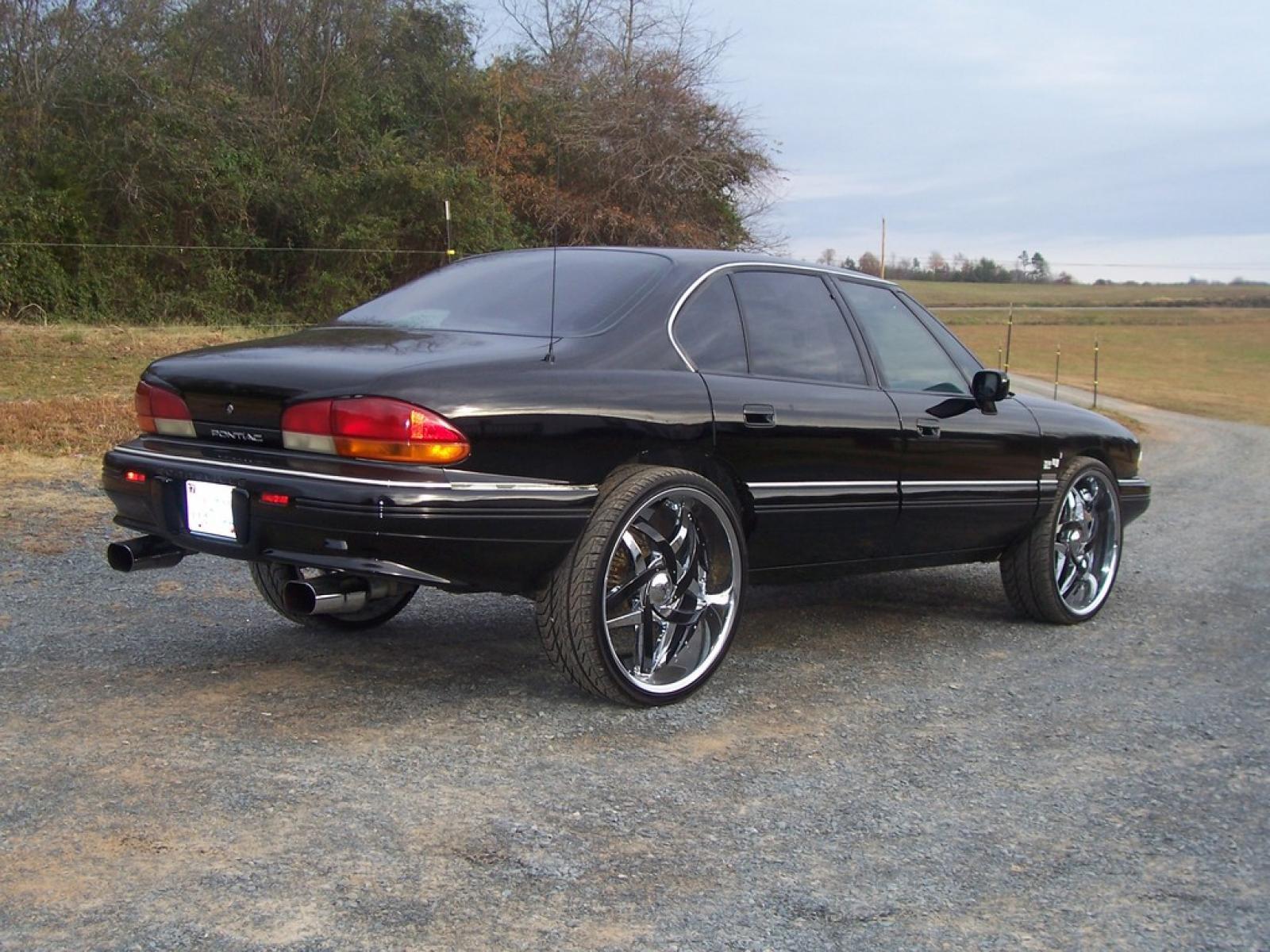 1995 Pontiac Bonneville 1600px Image 6