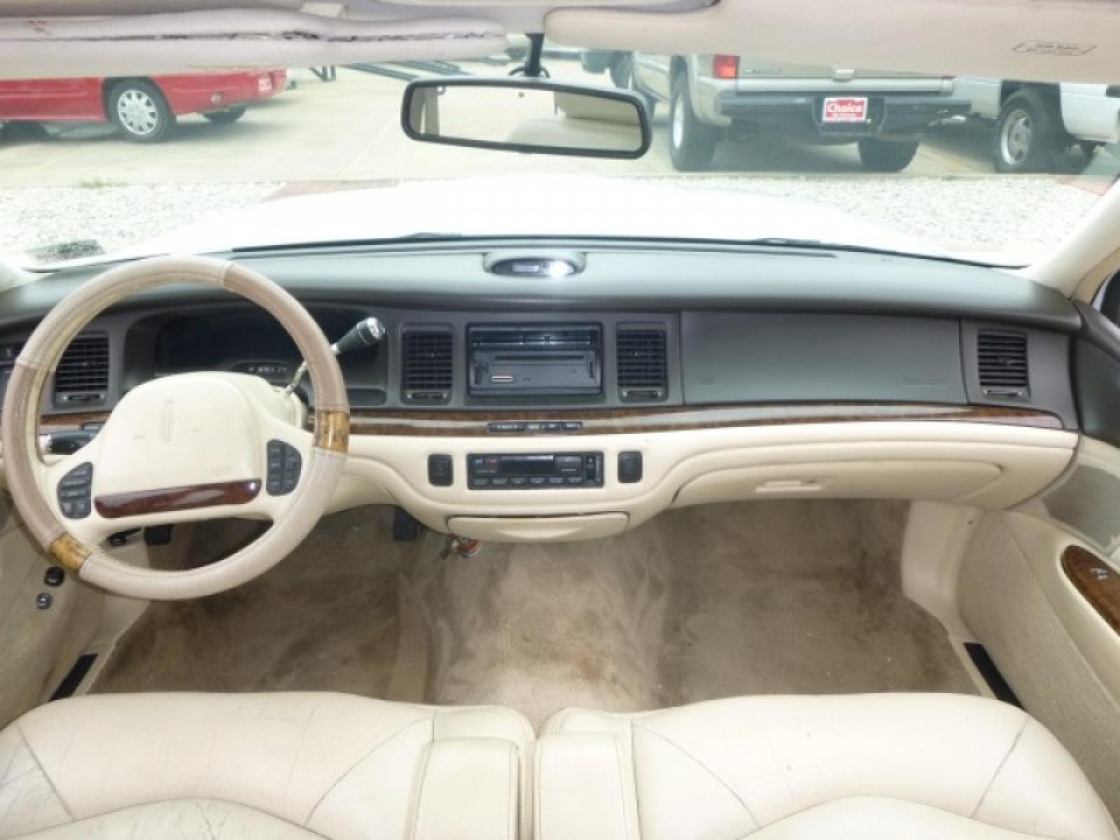1996 Lincoln Town Car 10 800 1024 1280 1600 Origin