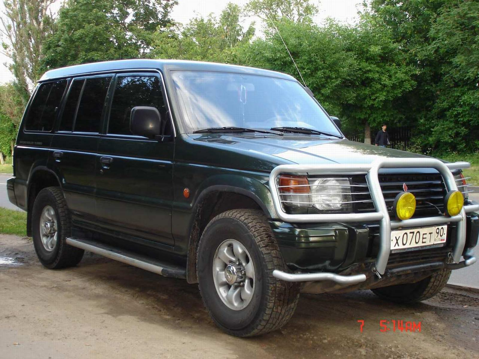 1996 Mitsubishi Montero Information and photos ZombieDrive
