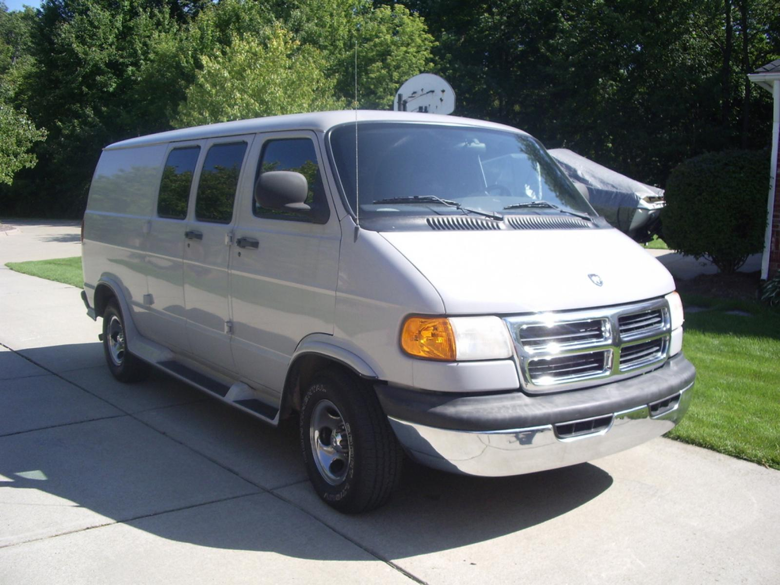 Dodge Cargo Van >> 1998 Dodge Ram Van - Information and photos - ZombieDrive