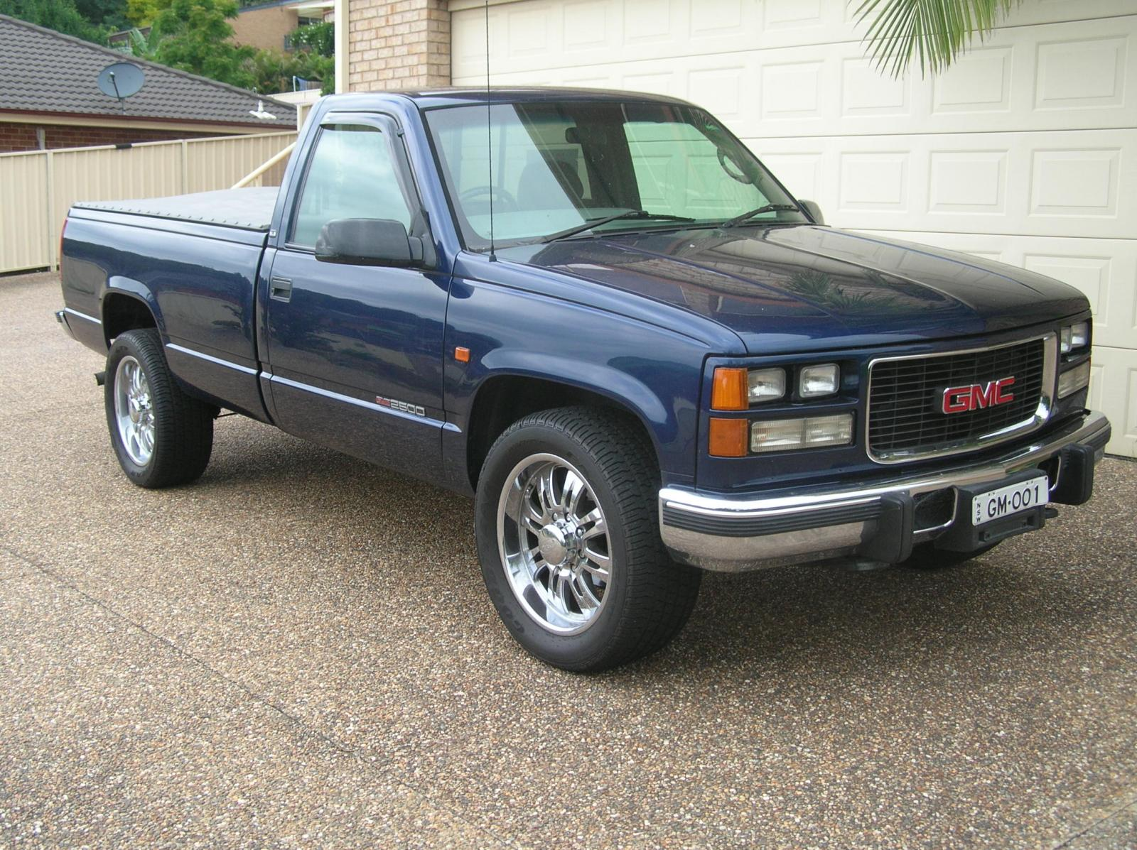 1998 GMC Sierra 2500 - Information and photos - ZombieDrive