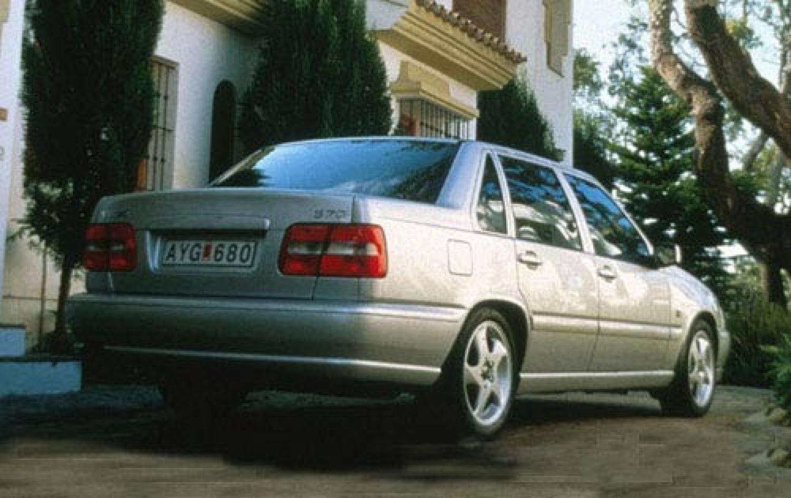 1999 Volvo S70 - Information and photos - Zomb Drive